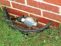 Рисунок 11 - Геофон под землей на кирпичной стене